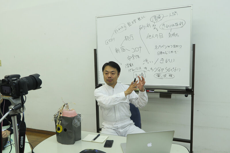 action_1.JPG